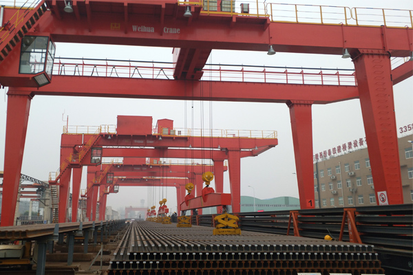 RMG-Crane-for-Steel-Track