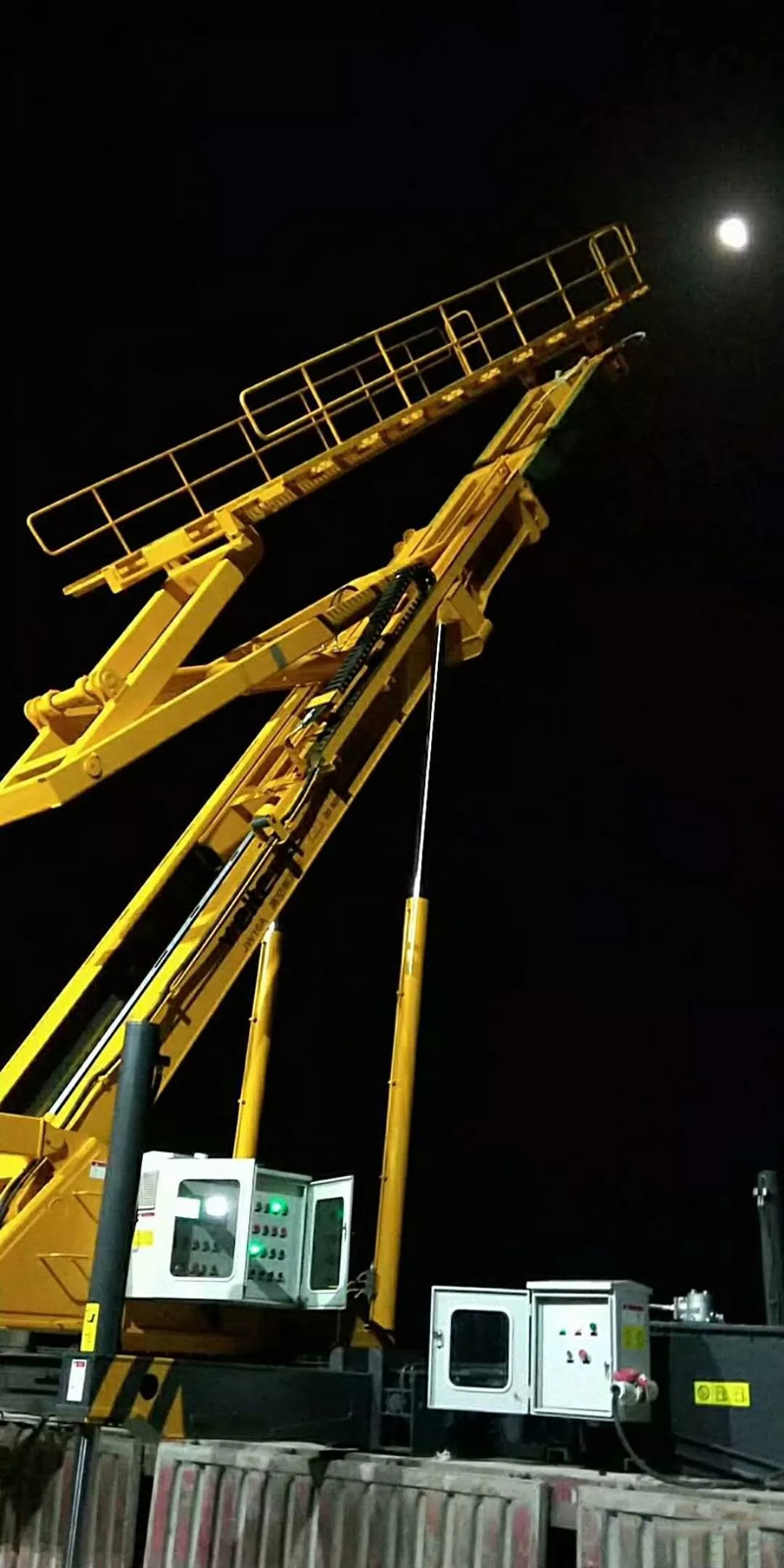 Steel-Sheet-Profiling-Crane-truck-installation