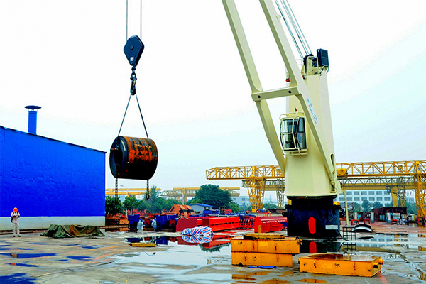 cargo-deck-crane