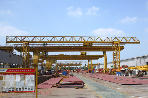 gantry-crane-electric-hoists