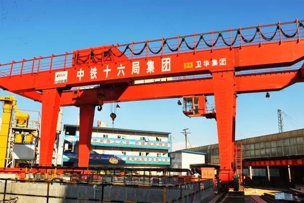 gantry-crane-metro-constructio