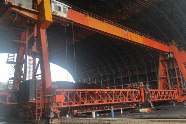 gantry-material-stacker