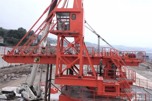 hydraulic-stacker-installation