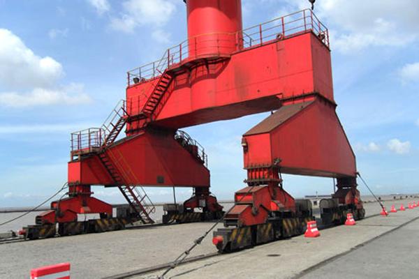 portal-crane-shipyard