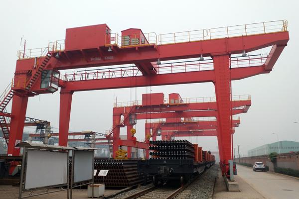 rmg-crane-steel-track-lifting