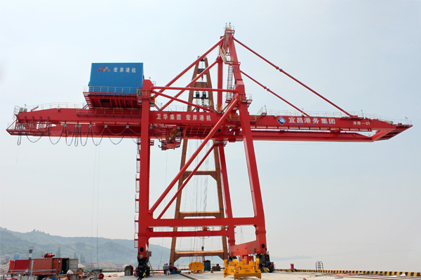 sts-container-crane