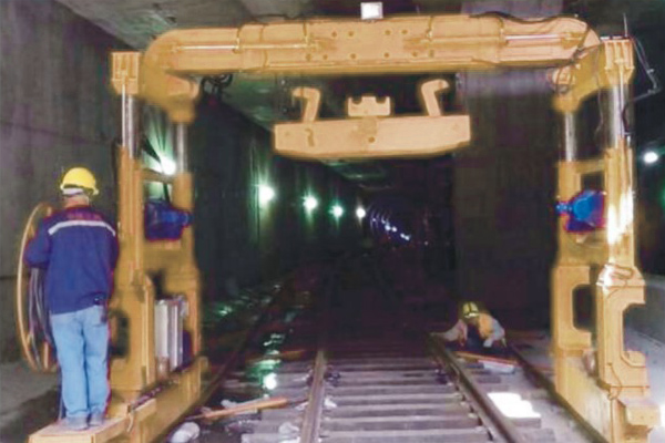 subway-track-laying-machine