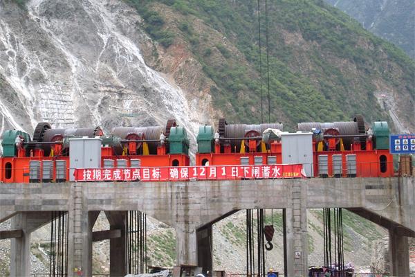winch-hoist-dam-gate
